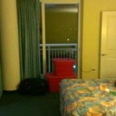 Avista Resort: Bedroom at night