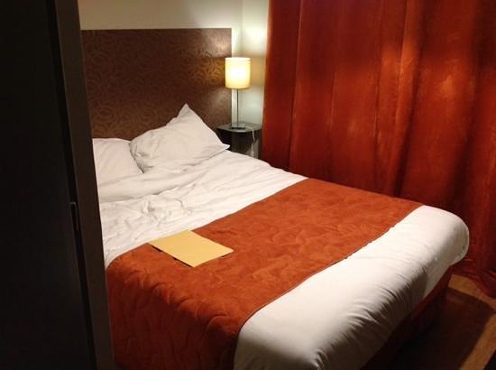 Hotel de Savoie : chambre simple