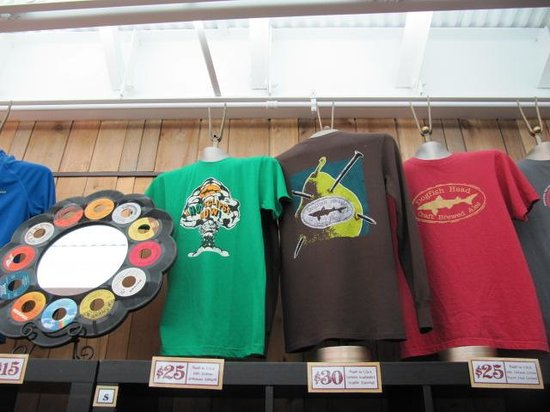 Dogfish Head Craft Brewery: Dogfish Brewery store apparel