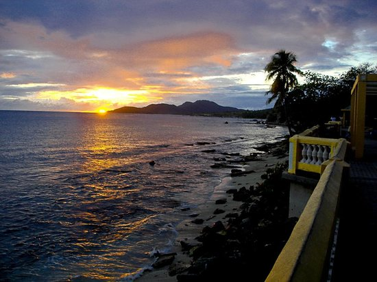 Duffy's: Sunset from the Malecon in Esperanza.