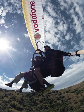 Fly Paragliding: Awesome!