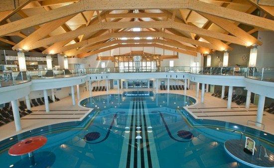 Hotel BUKOVINA: Pool