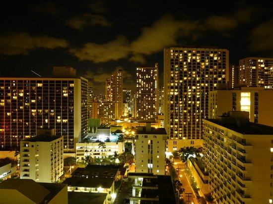 Queen Kapiolani Hotel: City View at night
