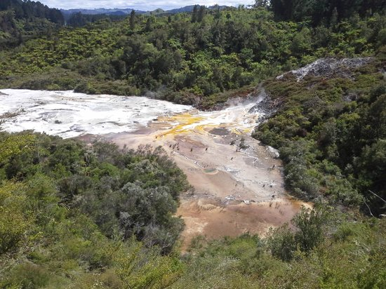 Orakei Korako Cave & Thermal Park: view over top end of silica flows