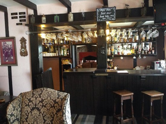 The Lakehouse, Cameron Highlands: The bar