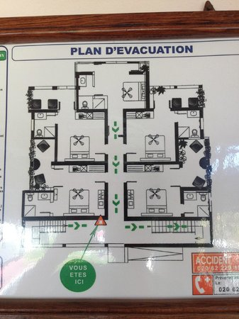 Les Roches Rouges : Floor plan: clockwise starting from bottom left: #20, 22, 24, 23, 21; top of map is front of hot