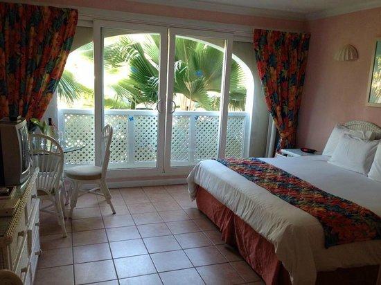Butterfly Beach Hotel: Room