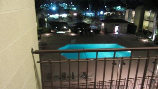 BEST WESTERN PLUS Royal Oak Hotel : Balcony and pool