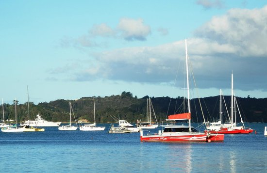 Scenic Hotel Bay of Islands: 2 minutes walk