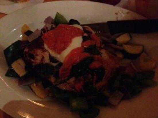 Moose's Tavern: Chicken Tuscan