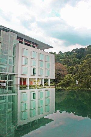 Padma Hotel Bandung: Stunning lush views