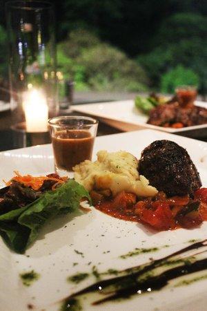 Padma Hotel Bandung: Fillet mignon at dinner - Friday Grill Night