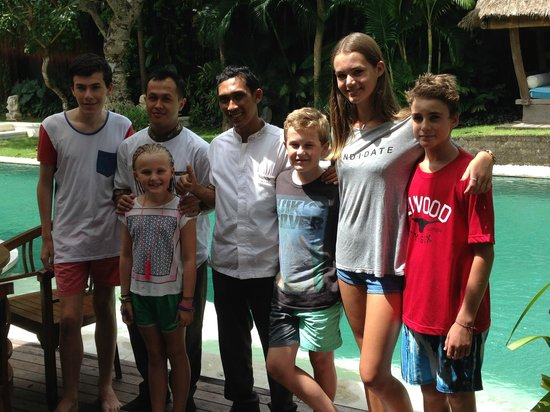 Villa Kubu Boutique Hotel & Spa: The amazing butler Wayan and the children