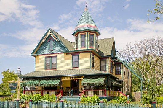 Albert Stevens Inn: Summer Cape May