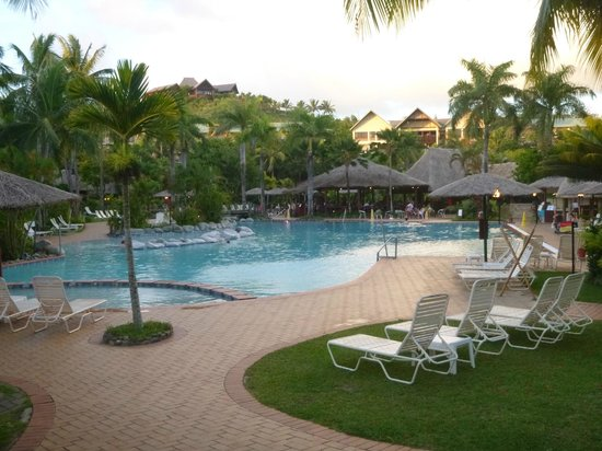 Outrigger Fiji Beach Resort: family pool