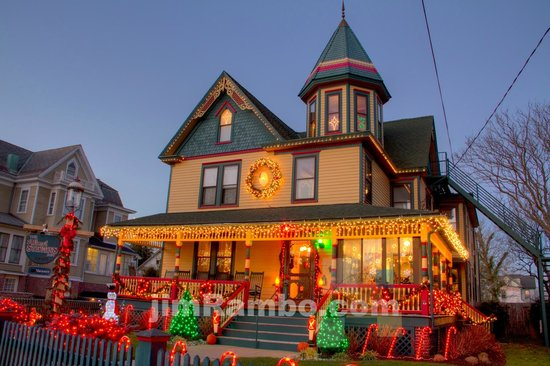 Albert Stevens Inn: Christmas in Cape May