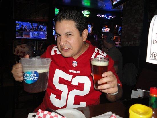 Blondies Sports Bar & Grill : Sierra Nevada beer