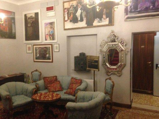 San Cassiano Residenza d'Epoca Ca' Favretto: Second floor public sitting area