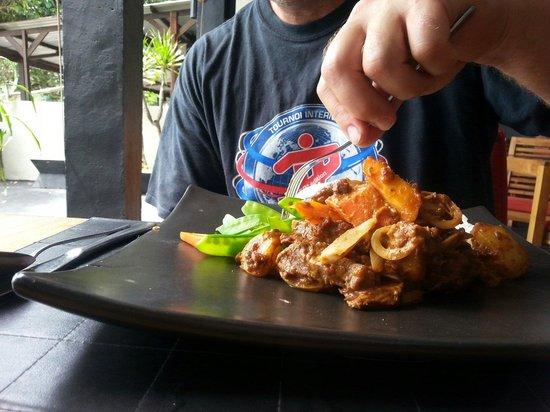 de Quake : Lunch beef rendang