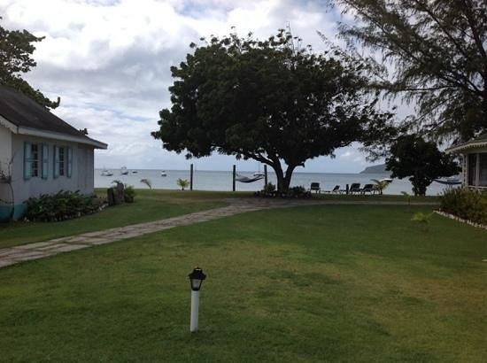 Oualie Beach Resort : view from our cabin