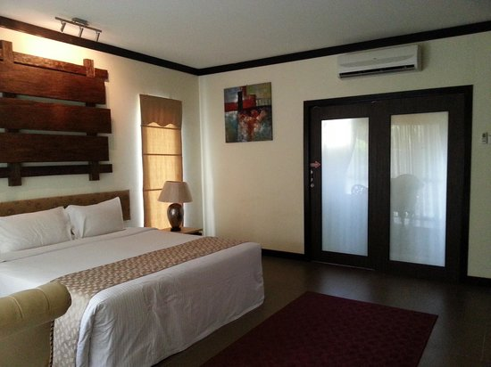 Felda Residence Hot Springs: Master bedroom