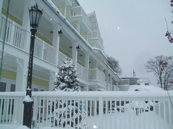 The Rhinecliff: Let it snow....