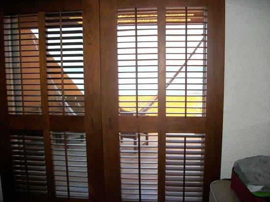 Las Brisas Hotel Collection Ixtapa: Louvered doors to room terrace.