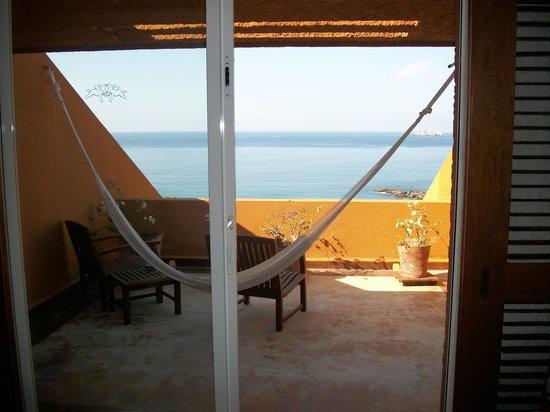 Las Brisas Ixtapa : Room terrace with hammock.