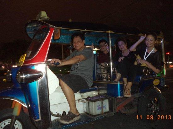 Khao San Road : Riding Tuk Tuk straight to Kao San Road