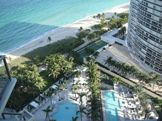 The St Regis Bal Harbour Resort Vista Al Beach Club