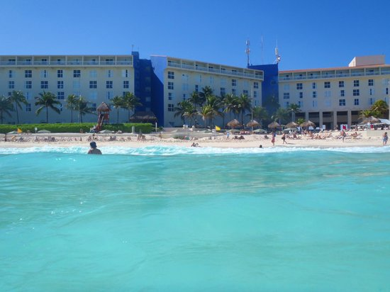 The Westin Resort & Spa Cancun: view of the westin from the water