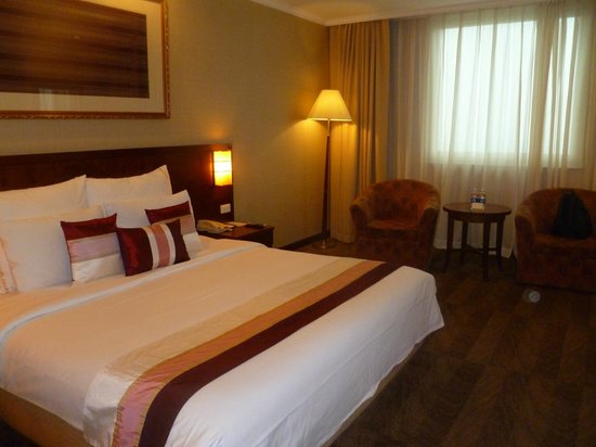 Windsor Plaza Hotel: very comfortable bed