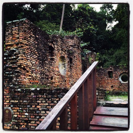 Pulau Pangkor, Malesia: Dutch fort at Pangkor island. Nothing much too see, but still a nice spot to have a look.