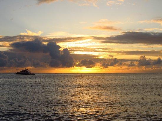Punta Carola: Atardecer en Carola
