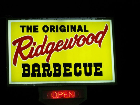 Ridgewood Barbecue: When it is time to close they close, no matter if 100 people are waiting