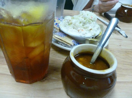 Ridgewood Barbecue: Best BBQ Beans, Slaw and Sweet Tea !