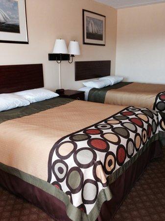 Super 8 Kimball: Queens bedroom