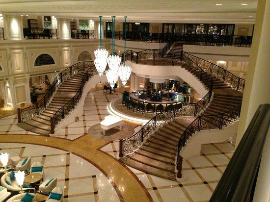 Waldorf Astoria Ras Al Khaimah: looking down at peacock alley