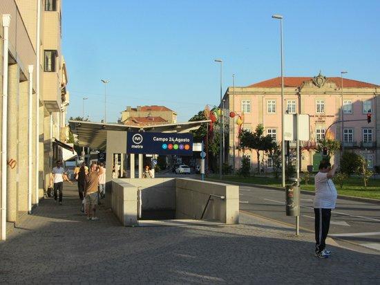 """Residencial Monte Carlo: станция трамвая """"24 de Agosto"""""""