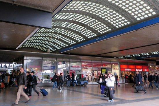 Stazione Termini: Inside Termini