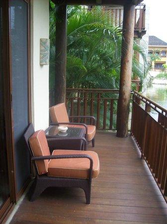 Fairmont Mayakoba: Spacious deck overlooking lagoon