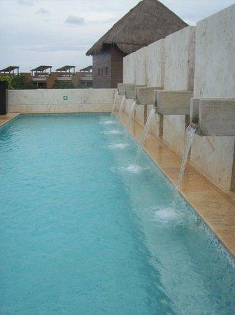 Fairmont Mayakoba: Rooftop pool in spaaaaa