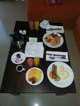 Dreams Villamagna Nuevo Vallarta: Room service, breakfast!