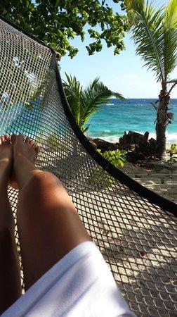 Beachcomber Island Resort: hamock outside our bure