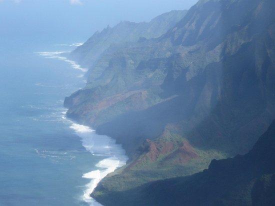 Air Ventures Hawaii -Tours : more beautiful scenery