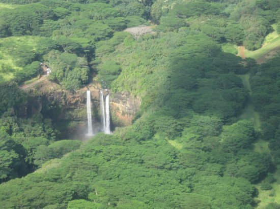 Air Ventures Hawaii -Tours : more waterfalls