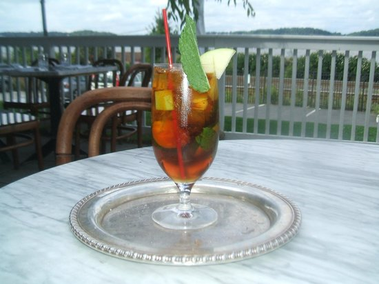The Rhinecliff Restaurant : Pimms #1 cup