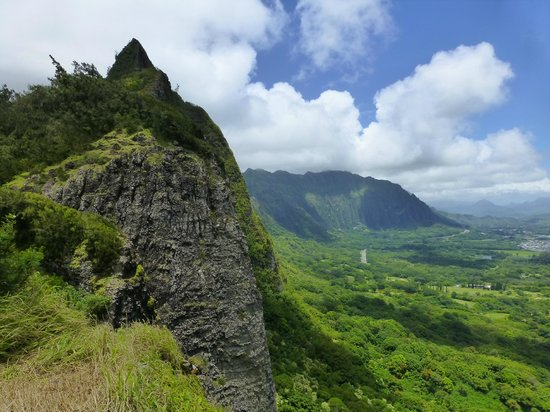 Nuuanu Pali Lookout : Pali's