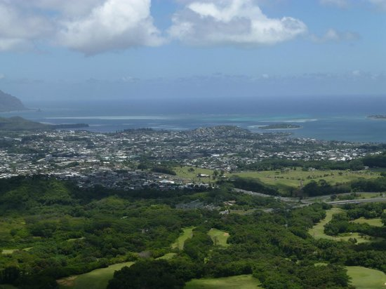 Nuuanu Pali Lookout : Look out view