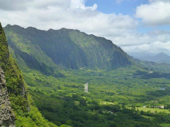 Nuuanu Pali Lookout : Pali view looking north